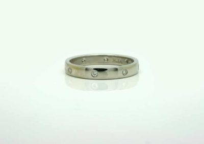 Recycled diamond wedding ring