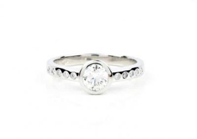 Low set Lab-Diamond Engagement Ring